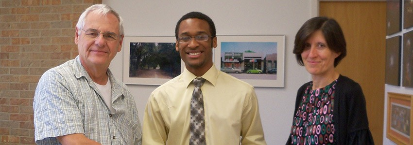 Physics Student Awarded APS Scholarship